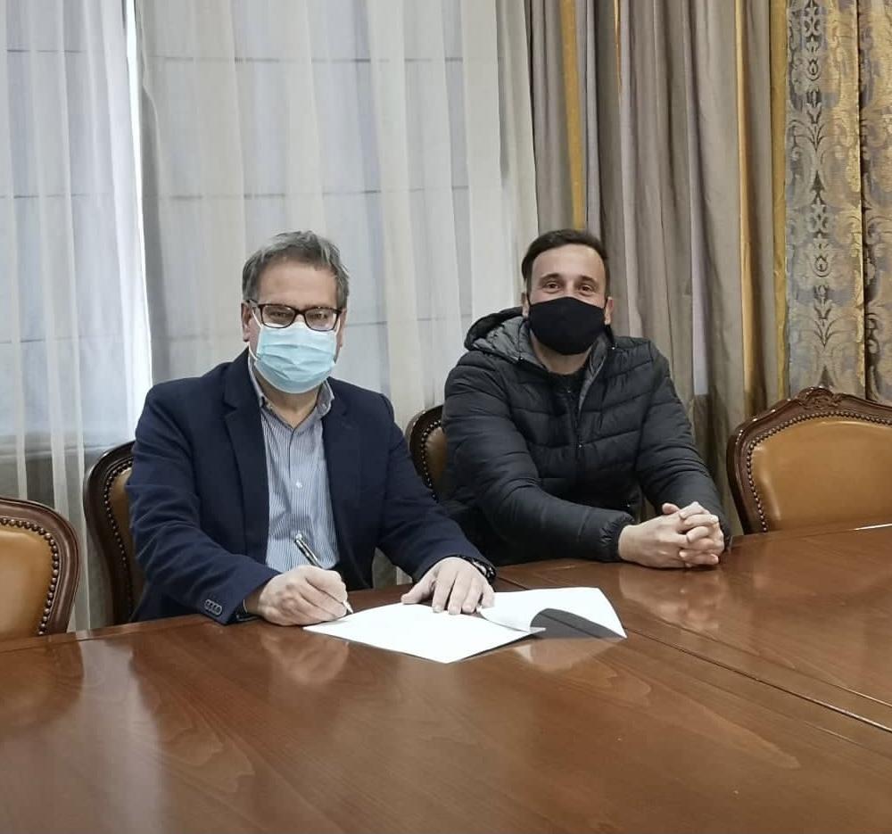 Υπογράφηκε-η-σύμβαση-για-την-κατασκευή-αμμοκράτη-στο-κεντρικό-ρέμα-του-Οικισμού-Πρίνου