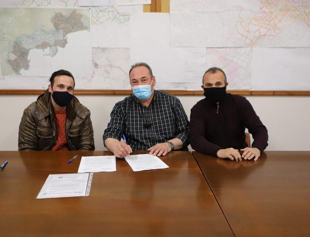 ΔΕΥΑΚ:-Υπογραφή-σύμβασης-για-την-ανόρυξη-ερευνητικής-γεώτρησης