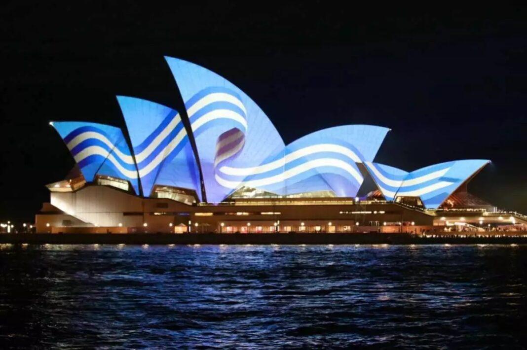 25η-Μαρτίου:-Η-Αυστραλία-ντύθηκε-στα-γαλανόλευκα-για-να-τιμήσει-την-Ελληνική-Επανάσταση
