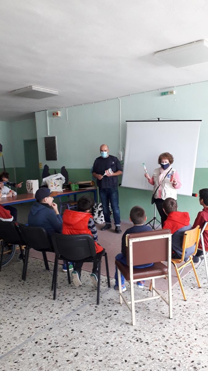 Οι-Γιατροί-του-Κόσμου-επισκέφθηκαν-το-Ειδικό-Δημοτικό-σχολείο-Καβάλας