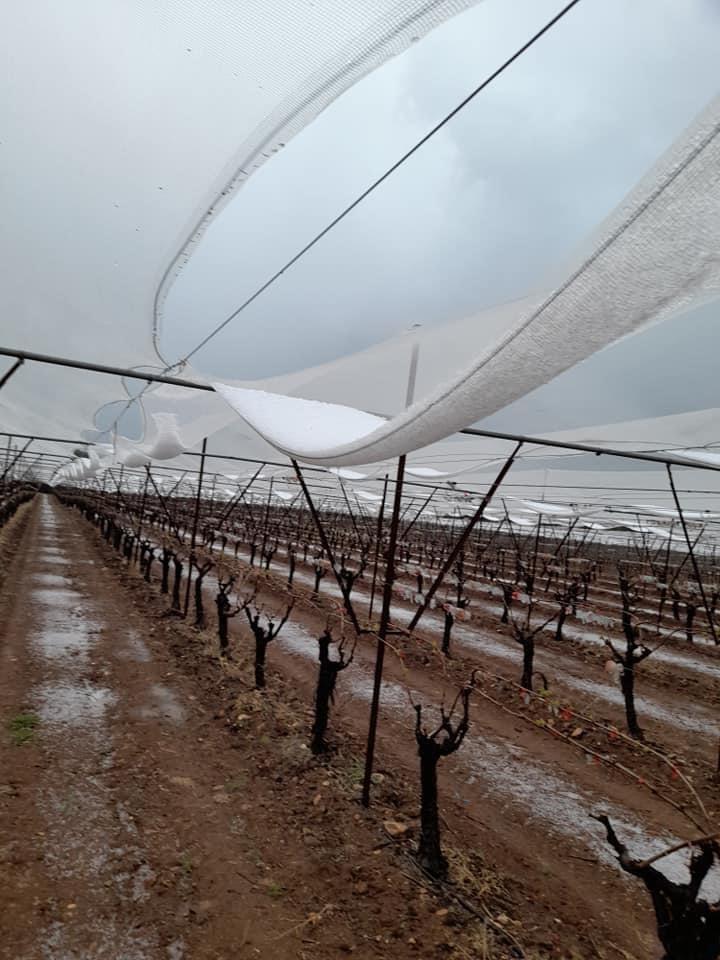 Βροχόπτωση-και-έντονη-χαλαζόπτωση-στη-Καβάλα-Άνοιξαν-οι-ουρανοί-δημιουργώντας-προβλήματα