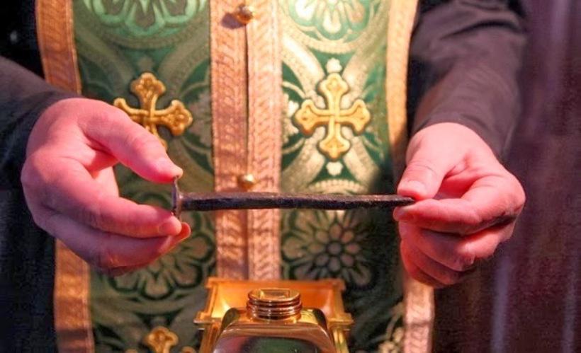 Ένα-από-τα-καρφιά-της-σταύρωσης-του-Χριστού-βρίσκεται-στη-Θάσο