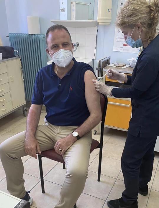 Εμβολιάστηκε-και-ο-Δήμαρχος-Παγγαίου-Φίλιππος-Αναστασιάδης
