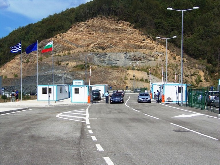 Κομοτηνή:-Κατεβαίνουν-οι-μπάρες-της-Νυμφαίας-για-τους-ταξιδιώτες-από-Βουλγαρία
