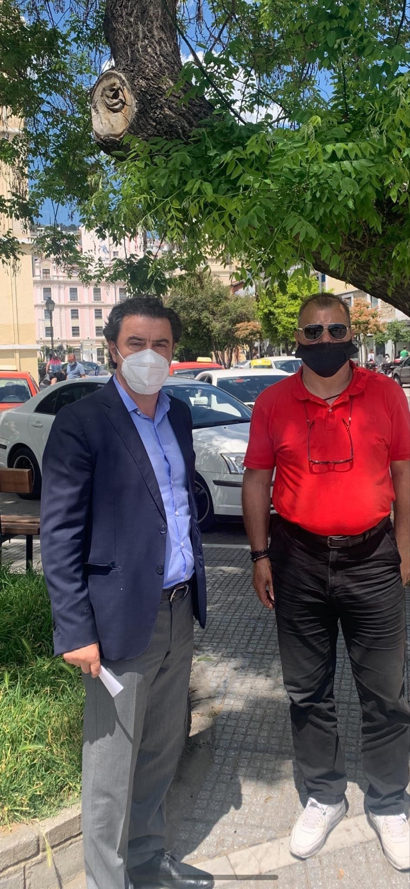 Μάκης-Παπαδόπουλος:-Η-διοίκηση-του-Δήμου-οφείλει-να-συζητήσει-με-όλους-για-την-πιάτσα-των-ταξί-στον-Δημοτικό-Κήπο