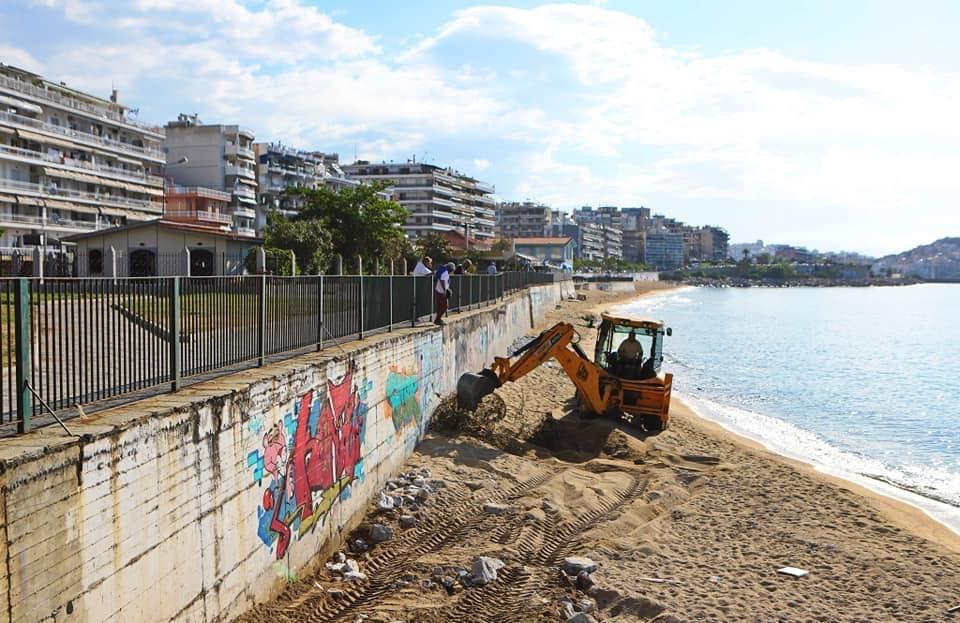 Απομάκρυνση-των-σιδερένιων-πλεγμάτων-από-την-παραλία-της-Ραψάνης