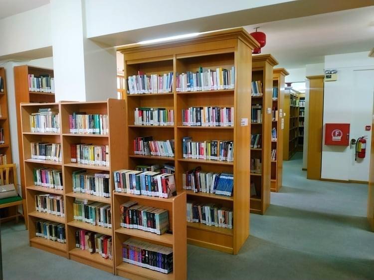 Σταδιακή-επιστροφή-στην-κανονικότητα-και-για-τη-Δημοτική-Βιβλιοθήκη-Καβάλας-«Βασίλης-Βασιλικός»