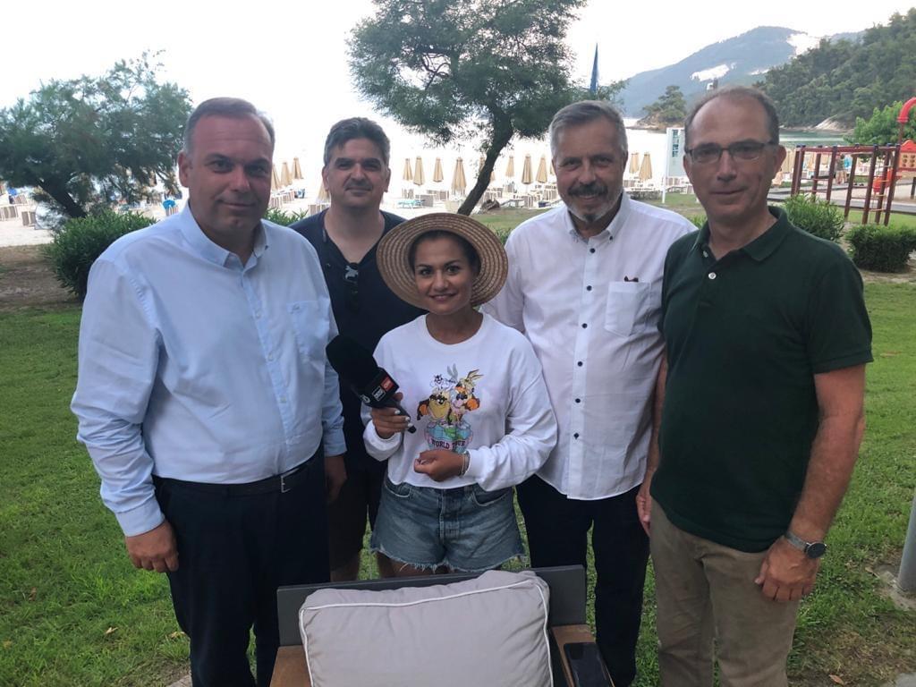 Επίσκεψη-4-δημοσιογράφων-από-ΜΜΕ-της-Ρουμανίας-στη-Θάσο