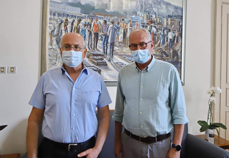 Επίσκεψη-του-πρέσβη-του-Ισραήλ,-Γιόσι-Αμράνι,-στο-δημαρχιακό-μέγαρο-Καβάλας