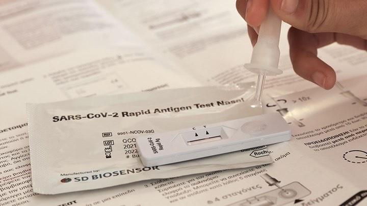 Αρχίζει-ξανά-από-σήμερα-η-δωρεάν-διάθεση-των-self-test-από-τα-φαρμακεία-–-Ποιοι-τα-δικαιούνται