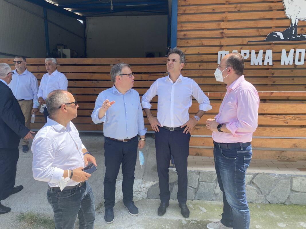 Την-φάρμα-Μουσθένης-επισκέφθηκε-ο-Πρωθυπουργός