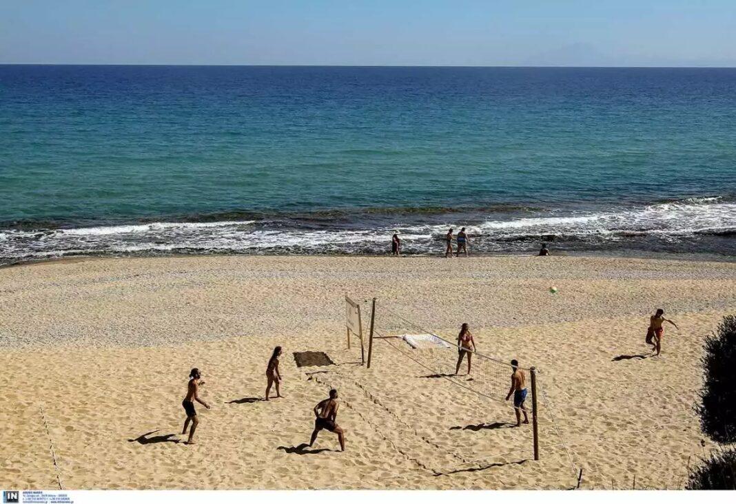 Διακοπές-στην-Καβάλα-–-Οι-10-παραλίες-με-Γαλάζια-Σημαία-και-απέραντες-αμμουδιές