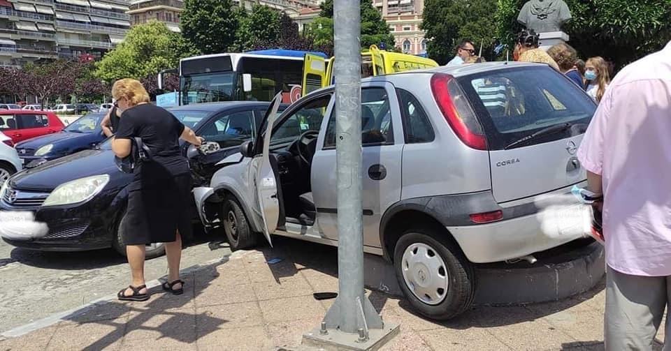 Τροχαίο-ατύχημα-με-έναν-τραυματία-στο-κέντρο-της-Καβάλας