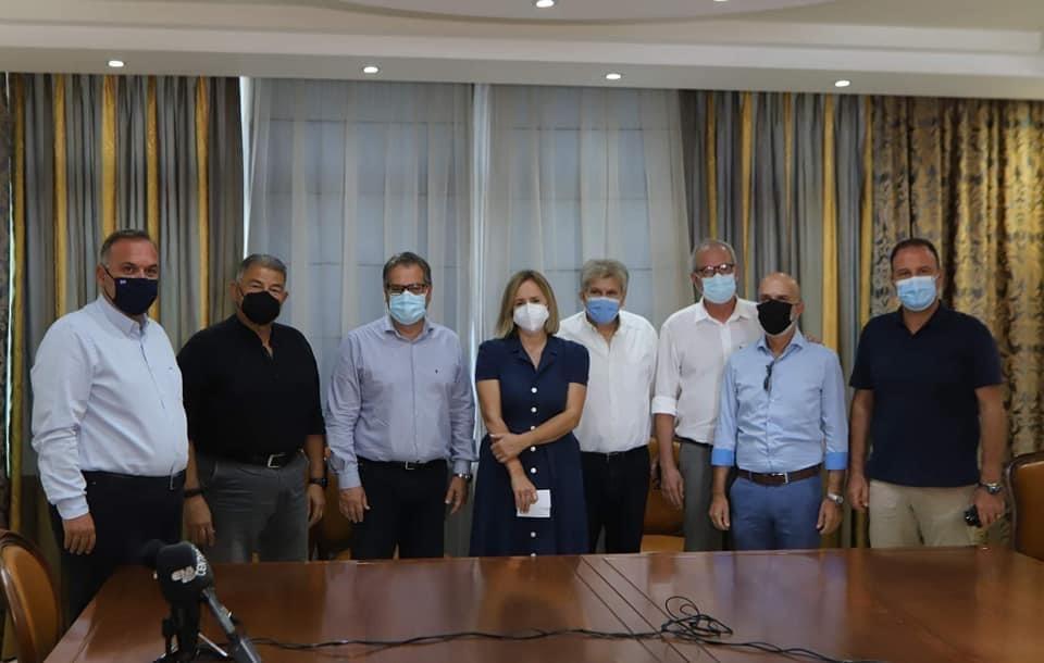 Δήμαρχοι,Αντιπεριφερειάρχης-και-φορείς-όλοι-μαζί-υπέρ-της-εμβολιαστικής-διαδικασίας