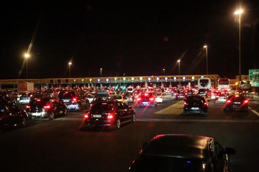 Μετακίνηση-εκτός-νομού:-Τι-αλλάζει-και-πότε-για-ταξίδια-με-ΚΤΕΛ,-τρένο,-αυτοκίνητο,-πλοίο-και-αεροπλάνο