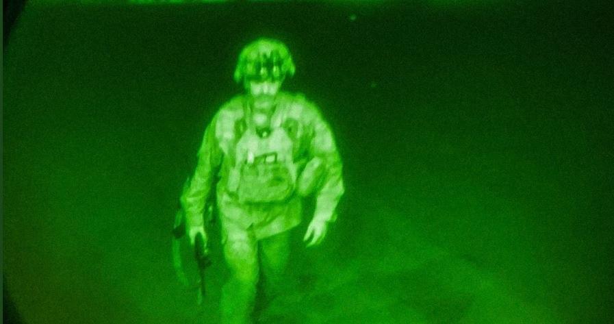 Αφγανιστάν:-Ο-τελευταίος-Αμερικανός-στρατιώτης-που-έφυγε-από-την-Καμπούλ