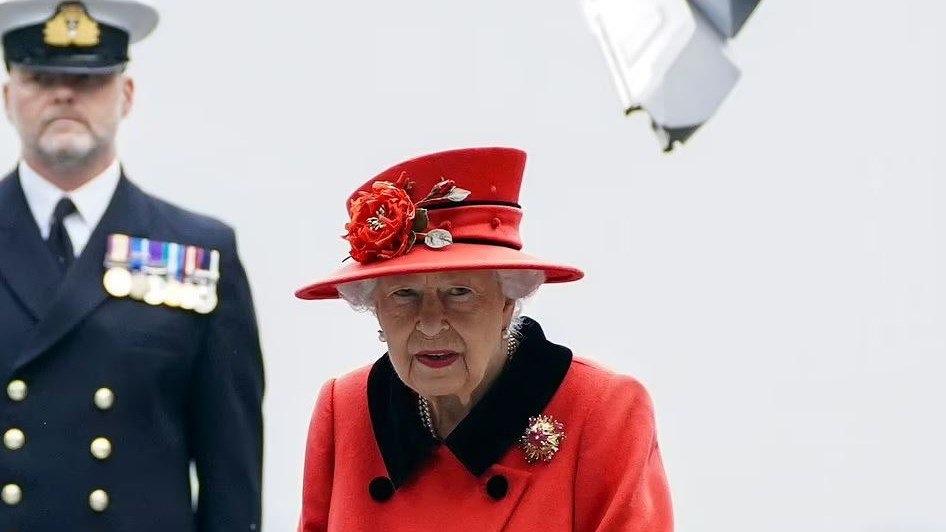 """Βασίλισσα-Ελισάβετ:-Στηρίζω-το-κίνημα-""""black-lives-matter"""""""