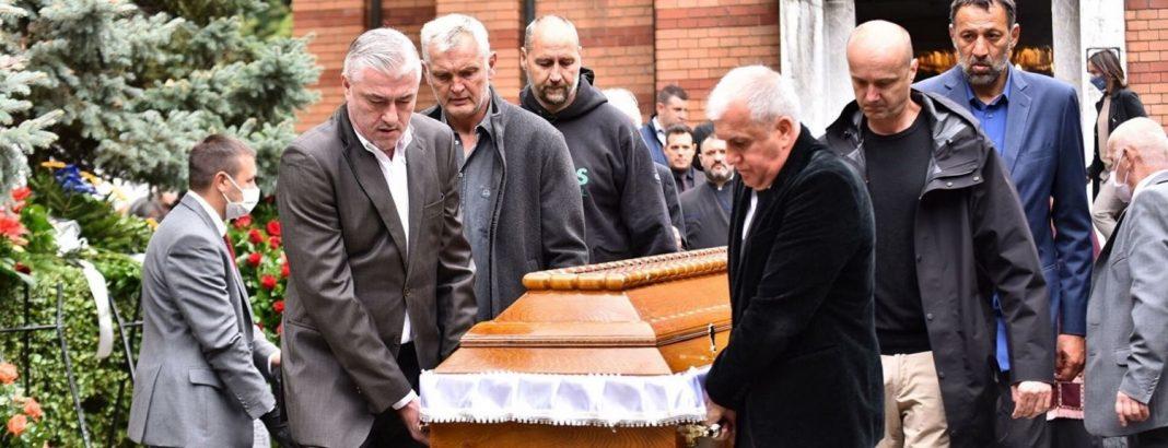 Ίβκοβιτς:-Συγκλονιστικές-στιγμές-στο-Βελιγράδι-–-Η-κηδεία-«ένωσε»-Σέρβους,-Κροάτες-και-Σλοβένους-θρύλους-του-μπάσκετ