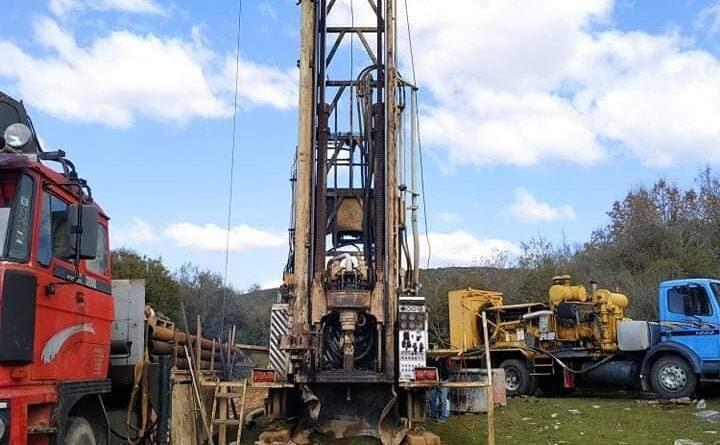 Άλλα-100-μέτρα-θα-προχωρήσει-η-ΔΕΥΑΚ-τη-γεώτρηση-στα-ορεινά-του-οικισμού-των-Φιλίππων